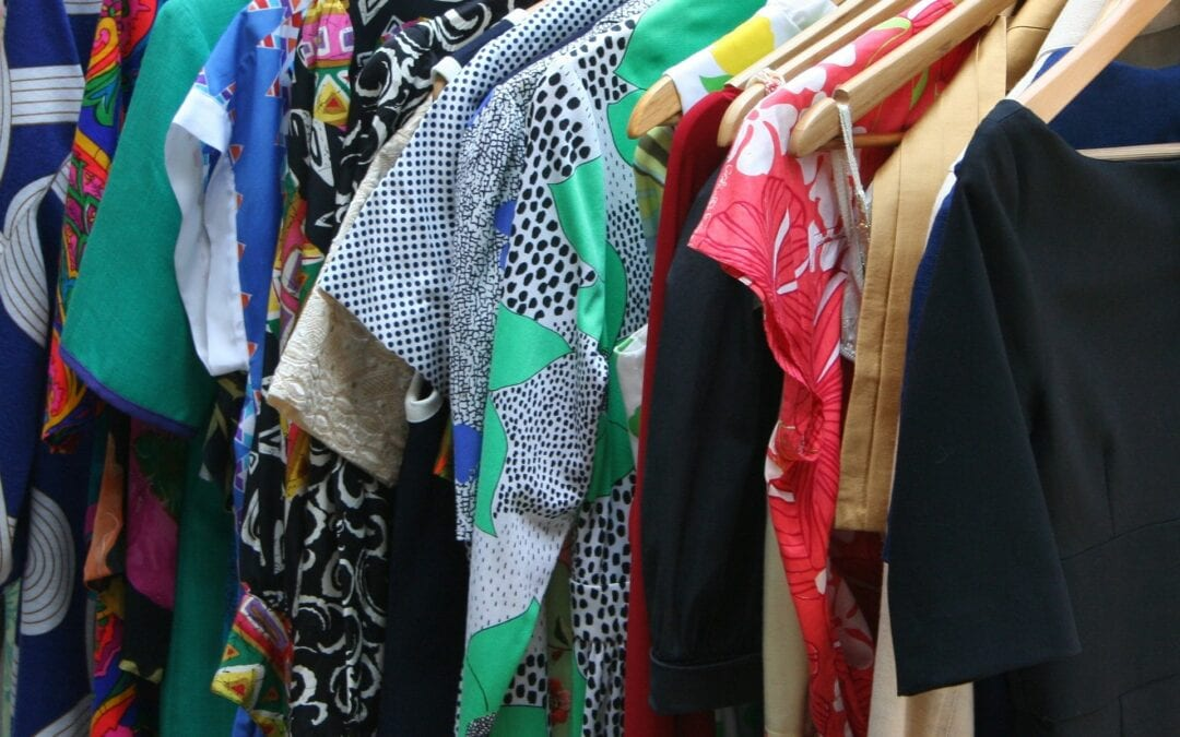 Is Your Clothing Closet Overloaded? Try These Easy Closet Clean-Up Tips!
